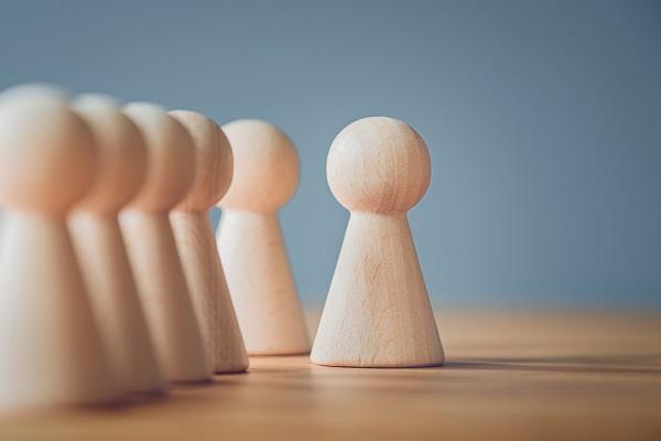 Organisationsentwicklung-und-Befaehigung_Organisationsentwicklung_Schachfiguren