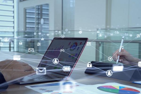 Customer Experience Management fuer Banken_CEM_Technology and Managed Services_Kommunikations Netzwerk